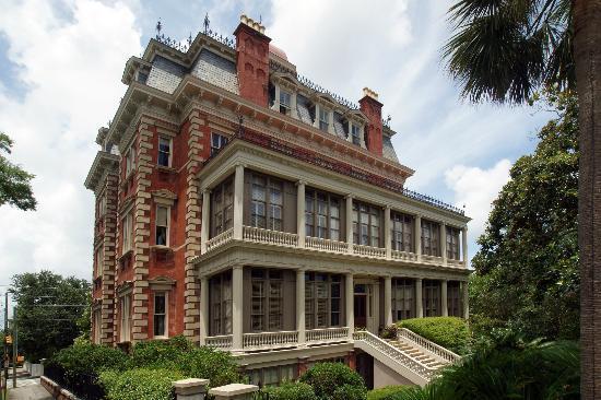 wentworth-mansion
